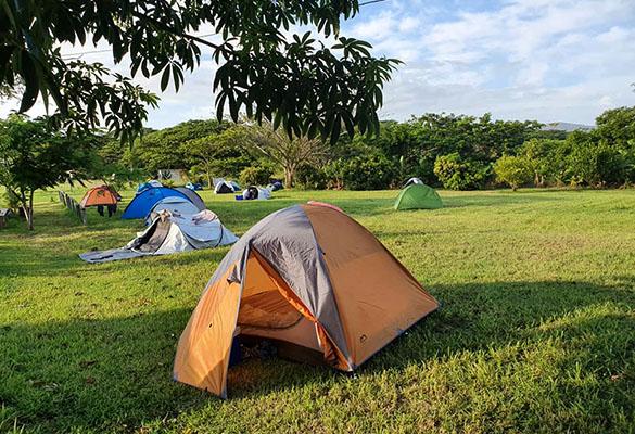 Auberge De Gaulle - Voh Caledonie - Hébergement - Camping